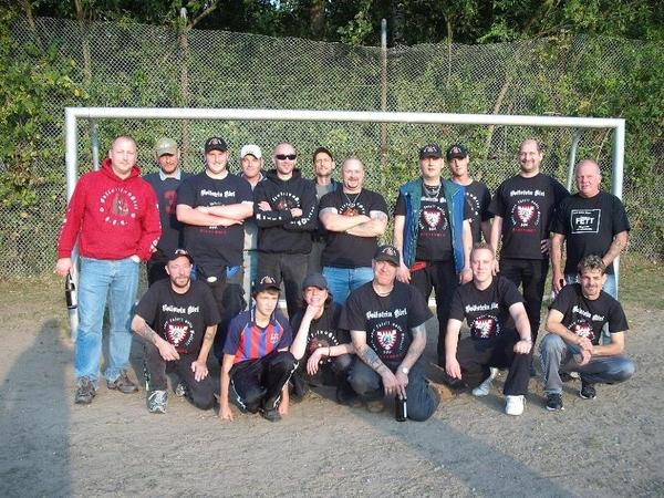 Offizielles Team-Foto auf www.mettenhof.de .