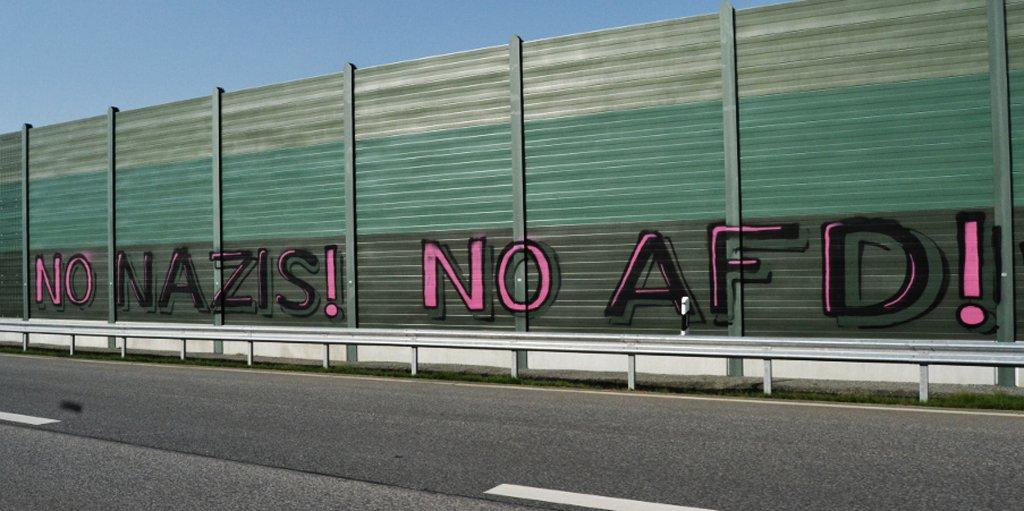 http://www.neu.antifa-kiel.org/wp-content/uploads/import/nonazisnoafd.jpg