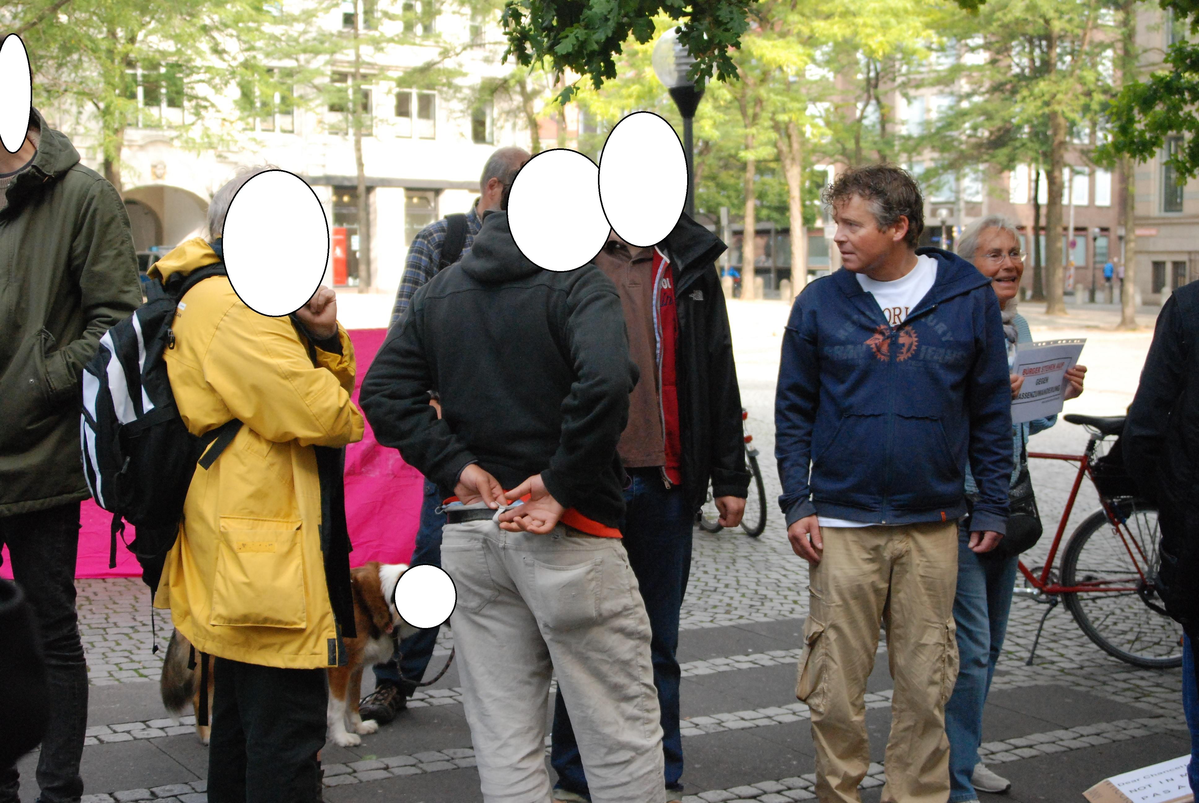 http://www.neu.antifa-kiel.org/wp-content/uploads/import/pics/kielerrassisten.jpg