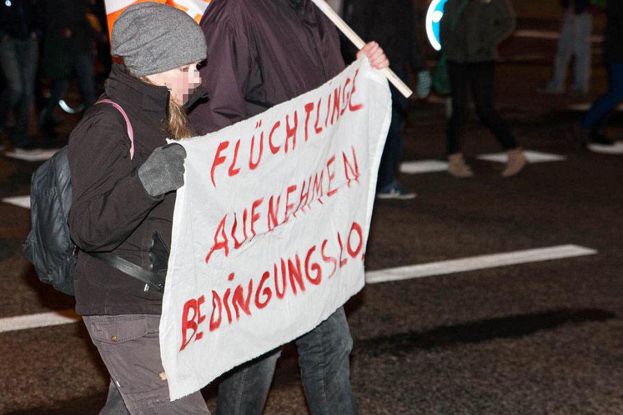 http://www.neu.antifa-kiel.org/wp-content/uploads/import/pics/turnleftsmashright/ust-9541.jpg